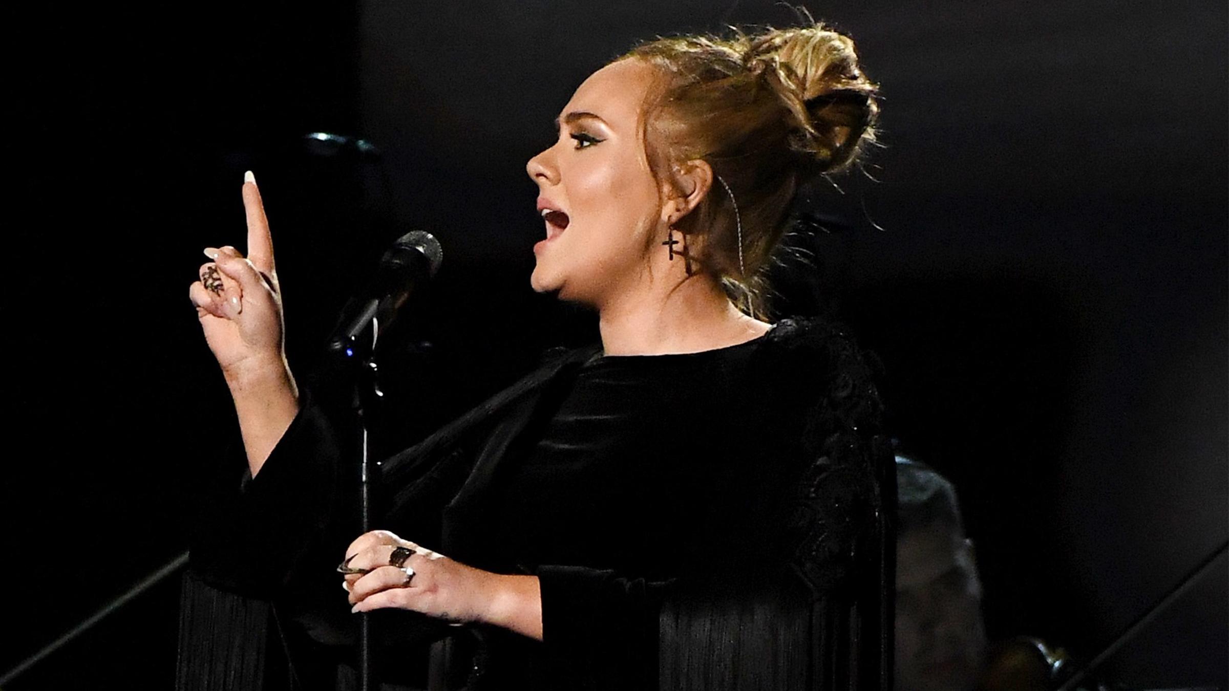 Adele ho tease