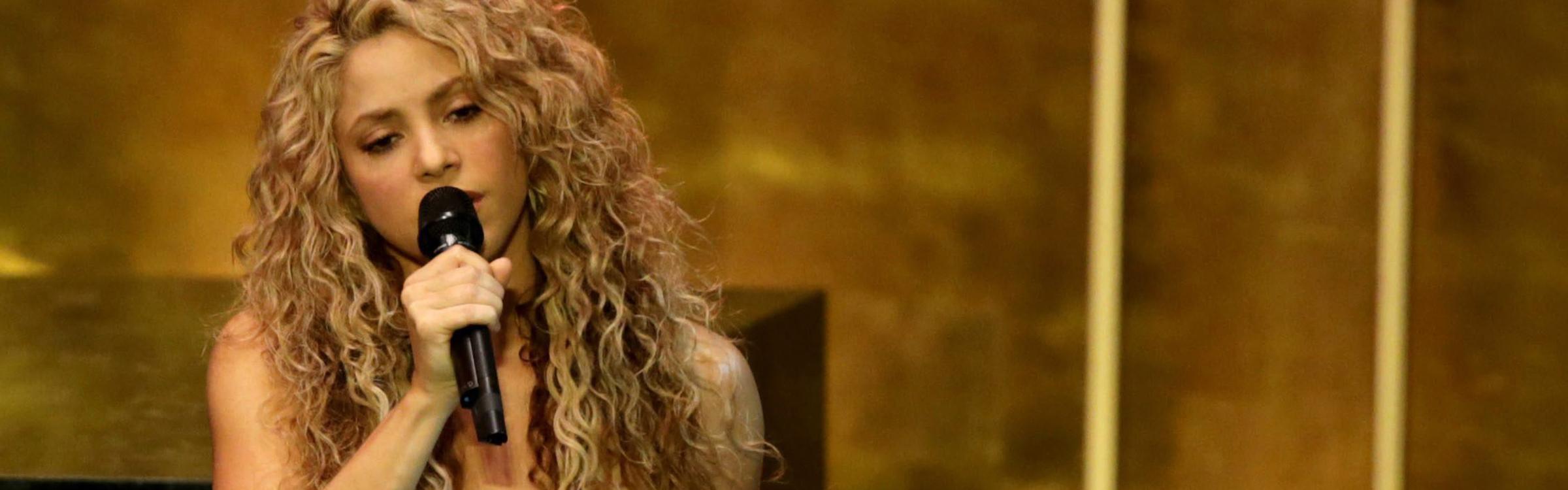 Shakira 01