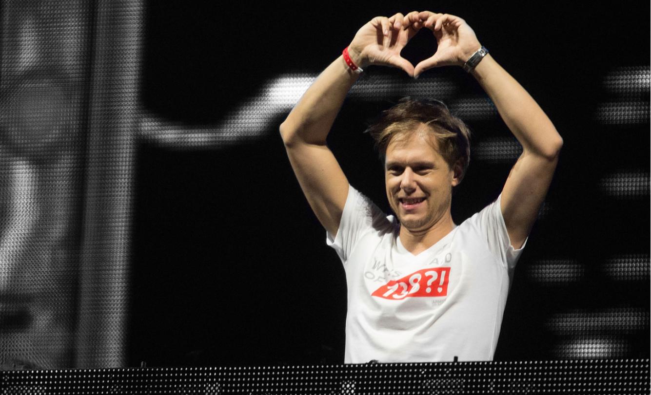 Armin van buuren222