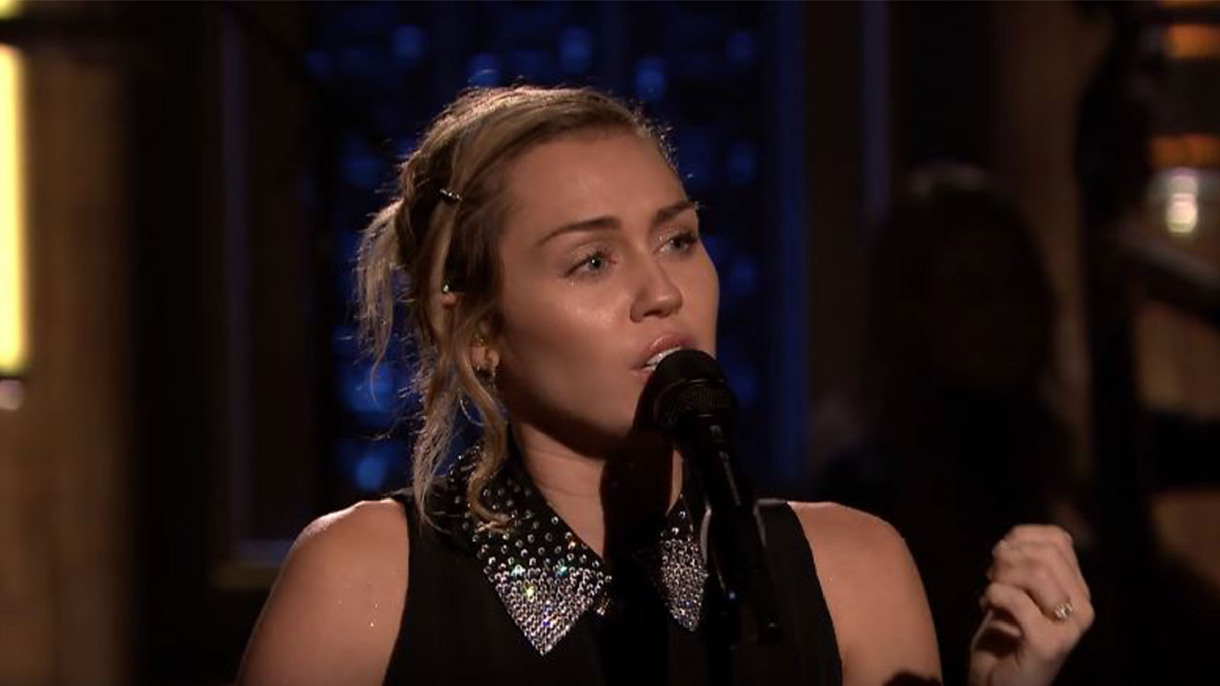 Mileycyrushomedef