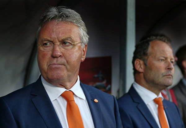Hiddink draagt stokje over 600x415