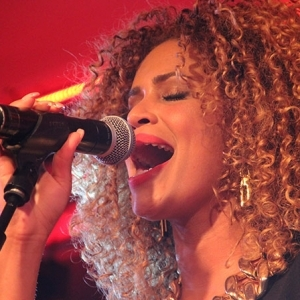 Sharondoorson 06
