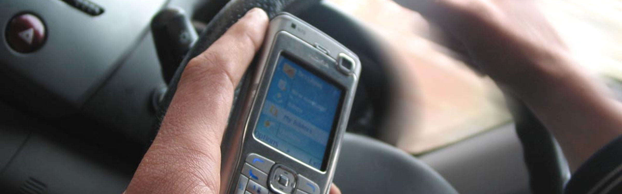 820 driver mobile phone hand