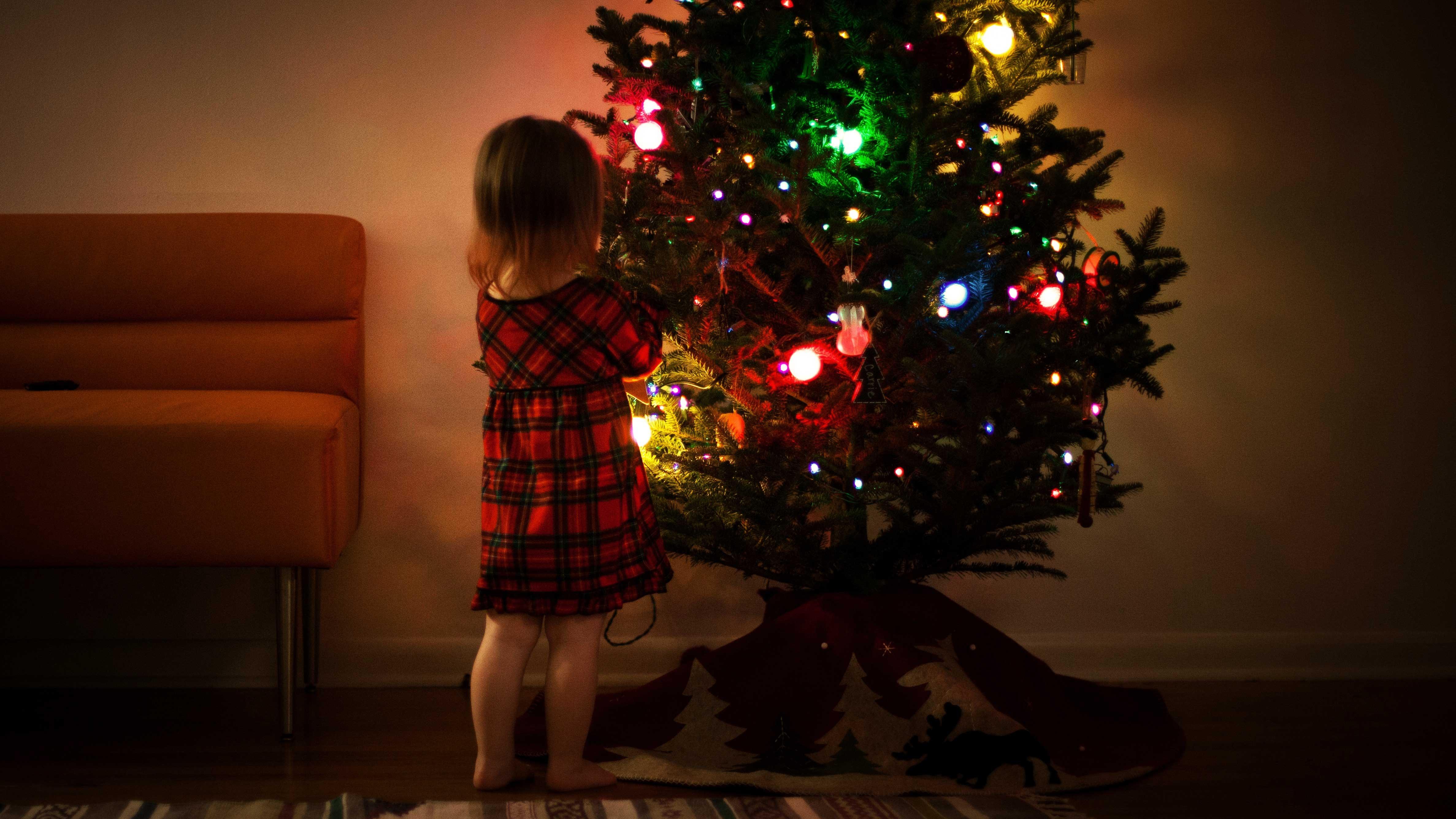 Ken Jij 2 Bijzondere Kerst Elfjes Die Ons Christmas House Willen