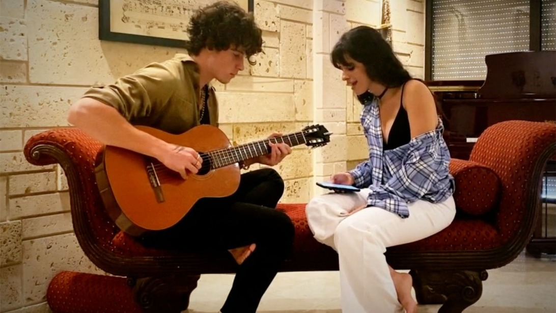 Camila cabello shawn mendes iheart living room concert