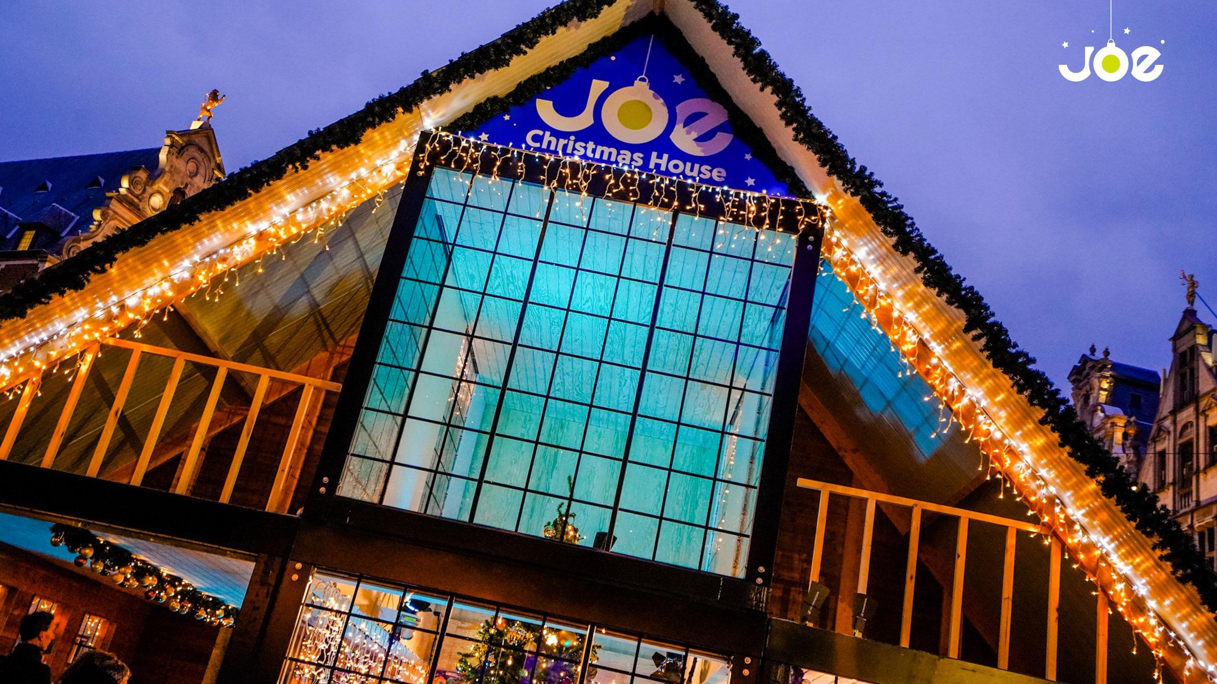 Joe christmashouse avond