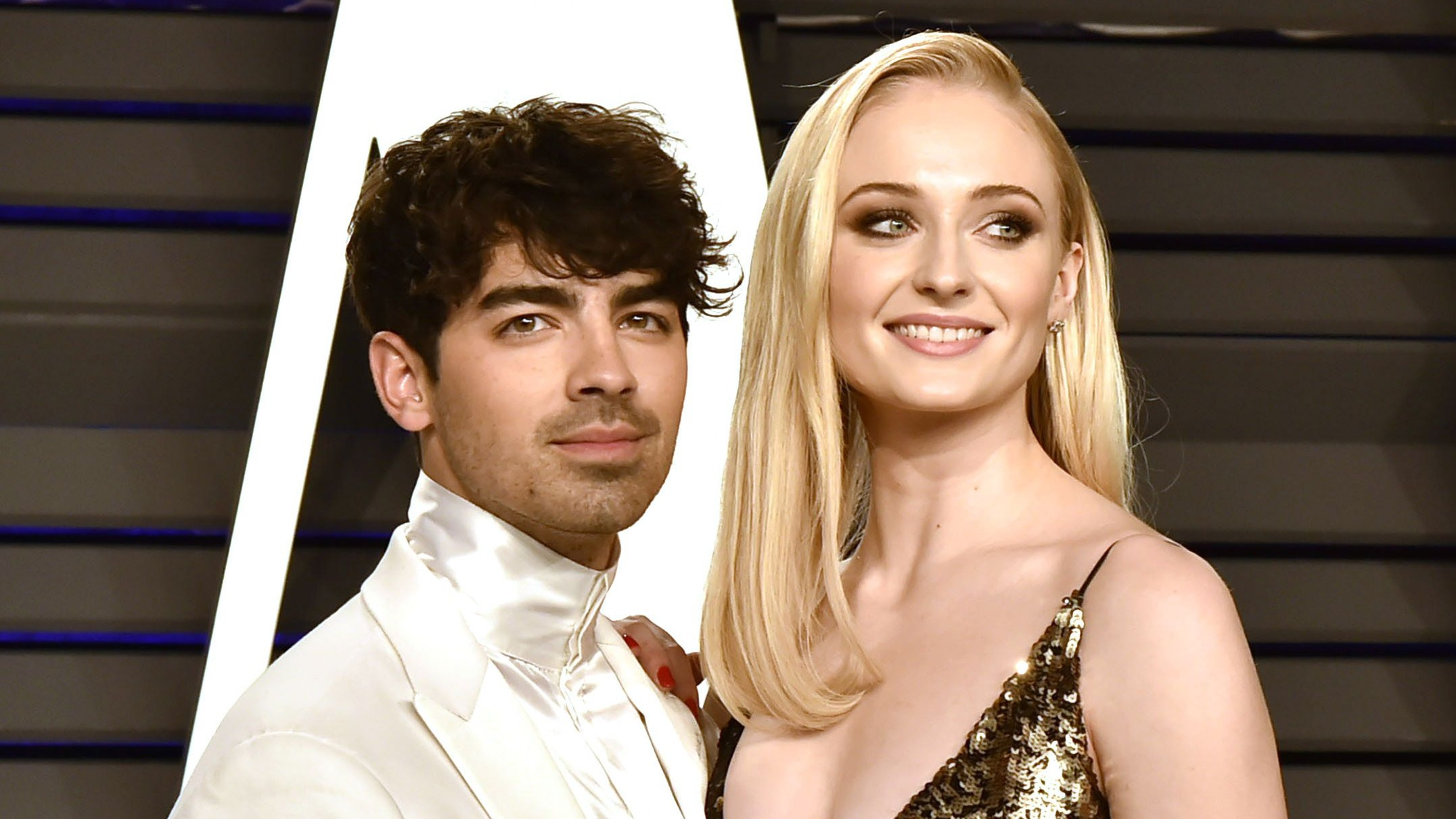 Joe jonas and sophie turner attend the 2019 vanity fair news photo 1132064135 1554128351