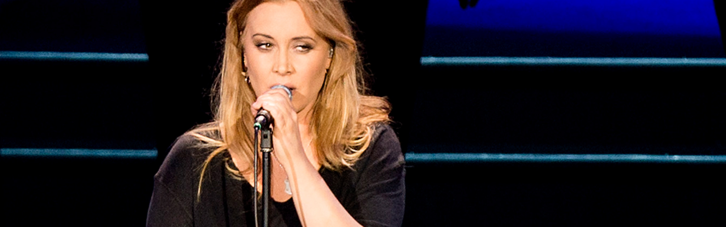 Anouk youtube header