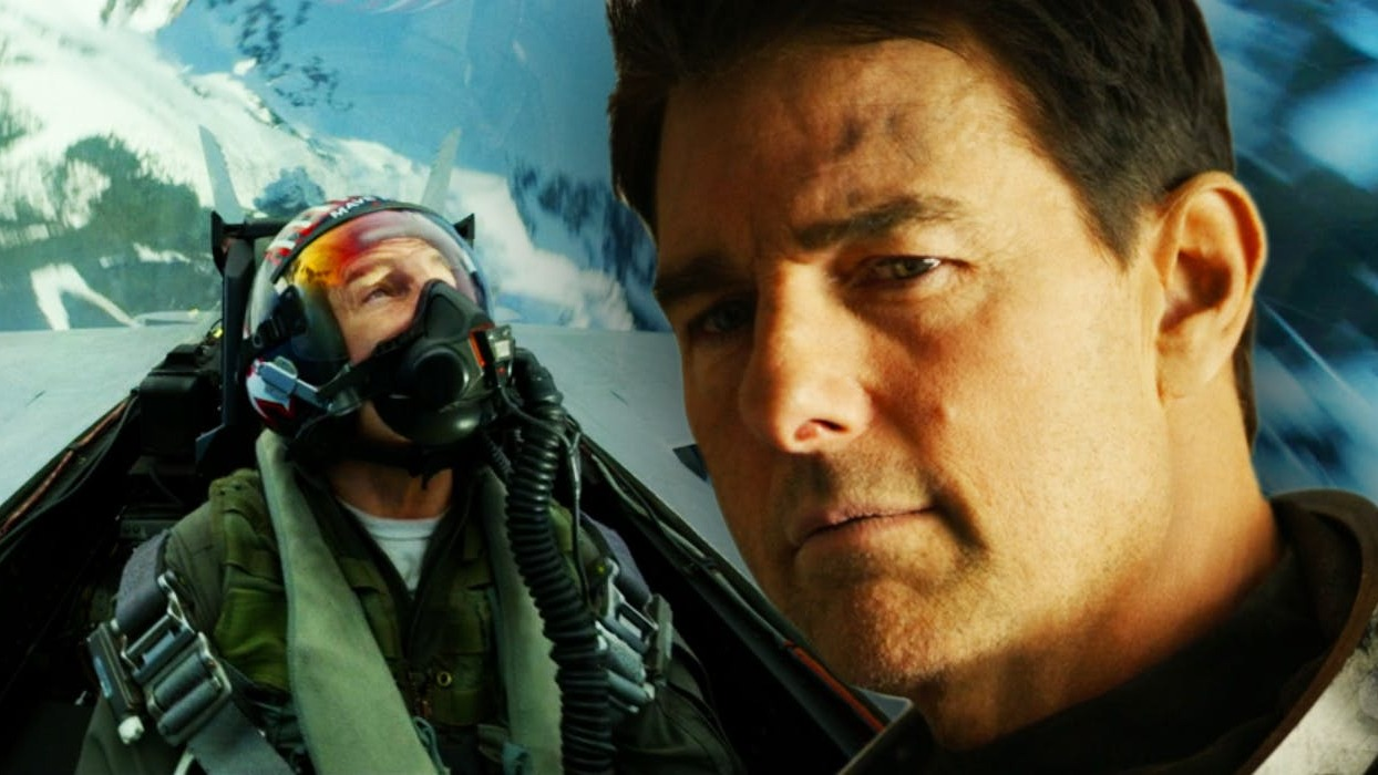 Tom cruise as maverick in top gun 2 2