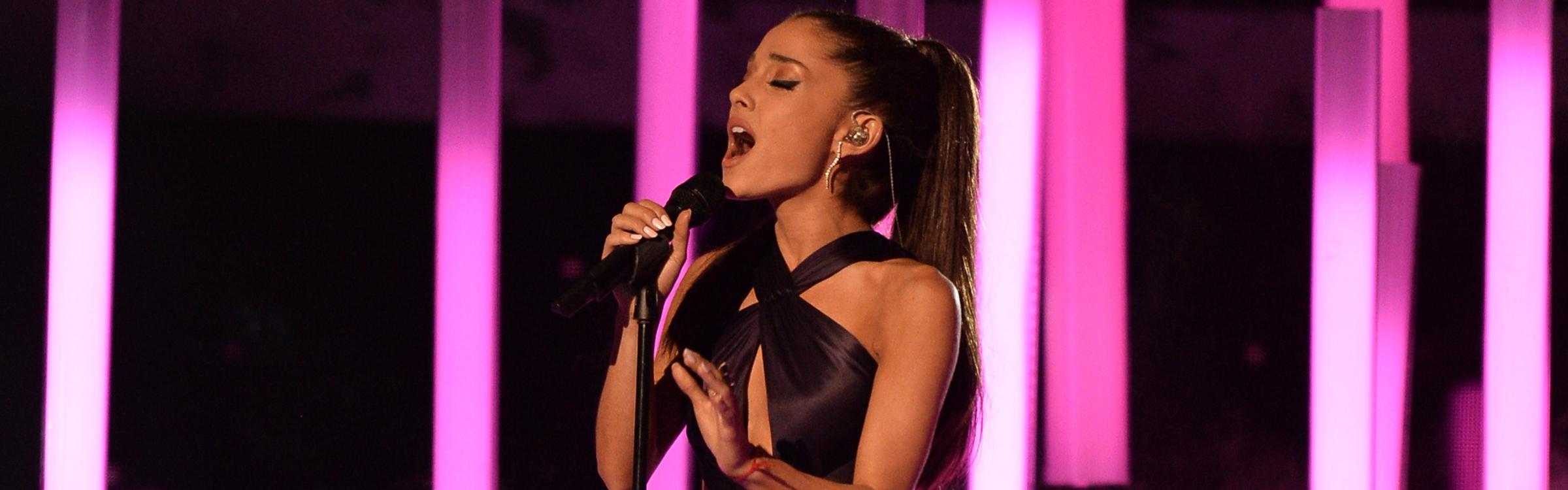 Ariana concert header