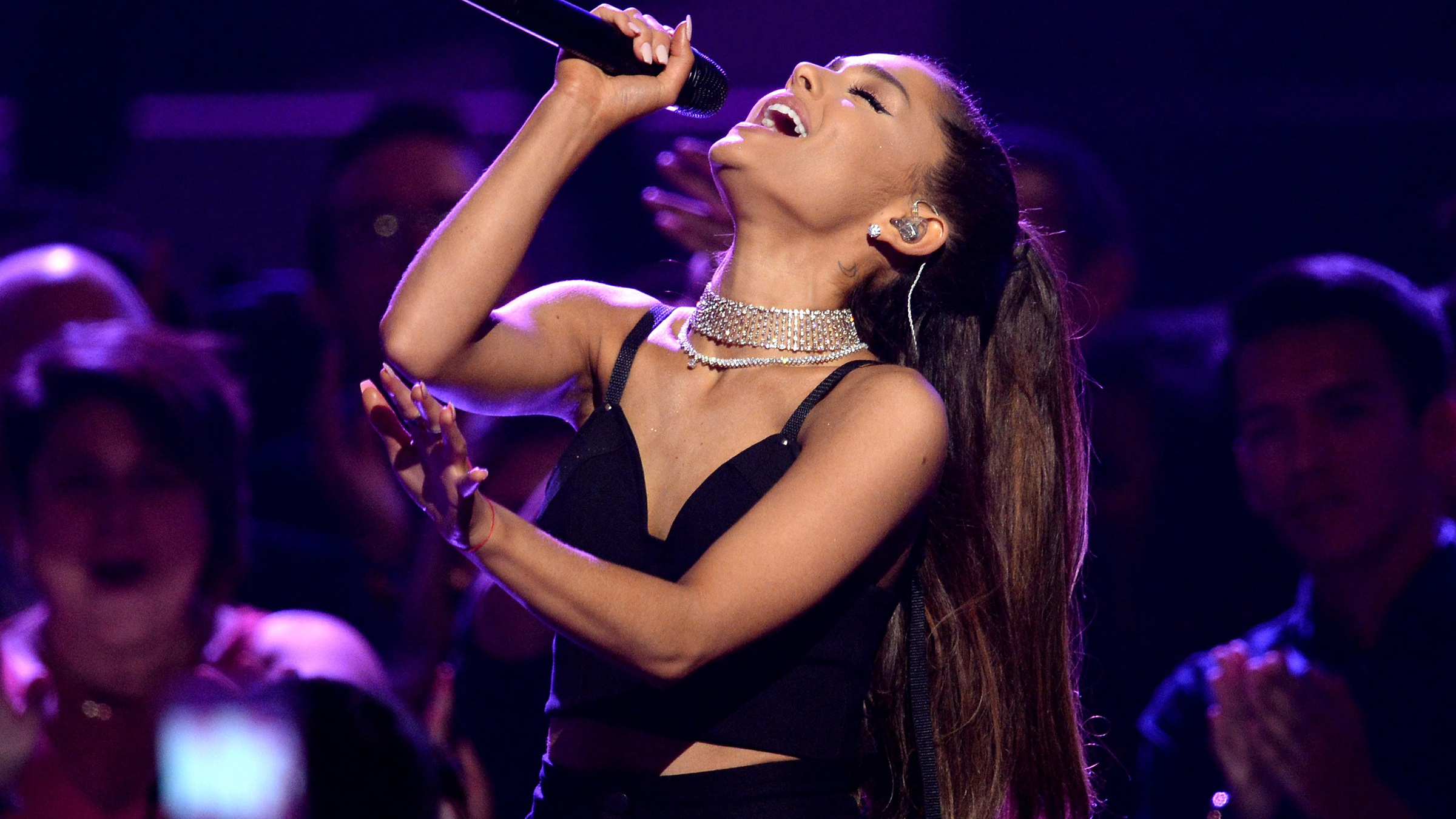 Ariana grande home