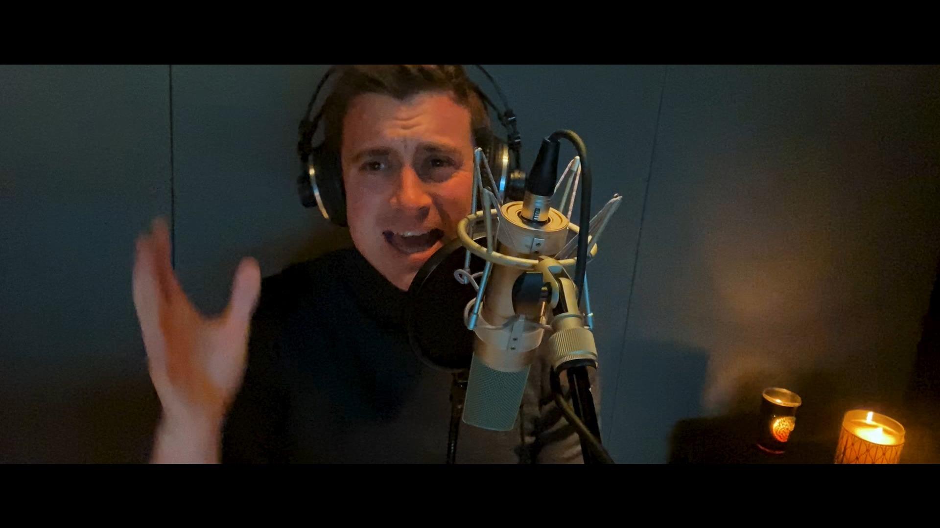 Niels destadsbader  master q music .00 01 22 08.still003