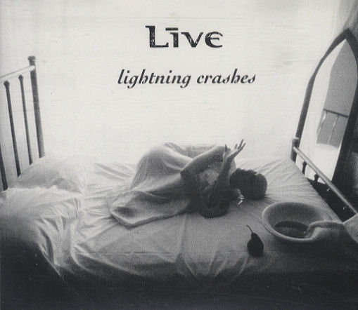 Live lightning crashes 63012