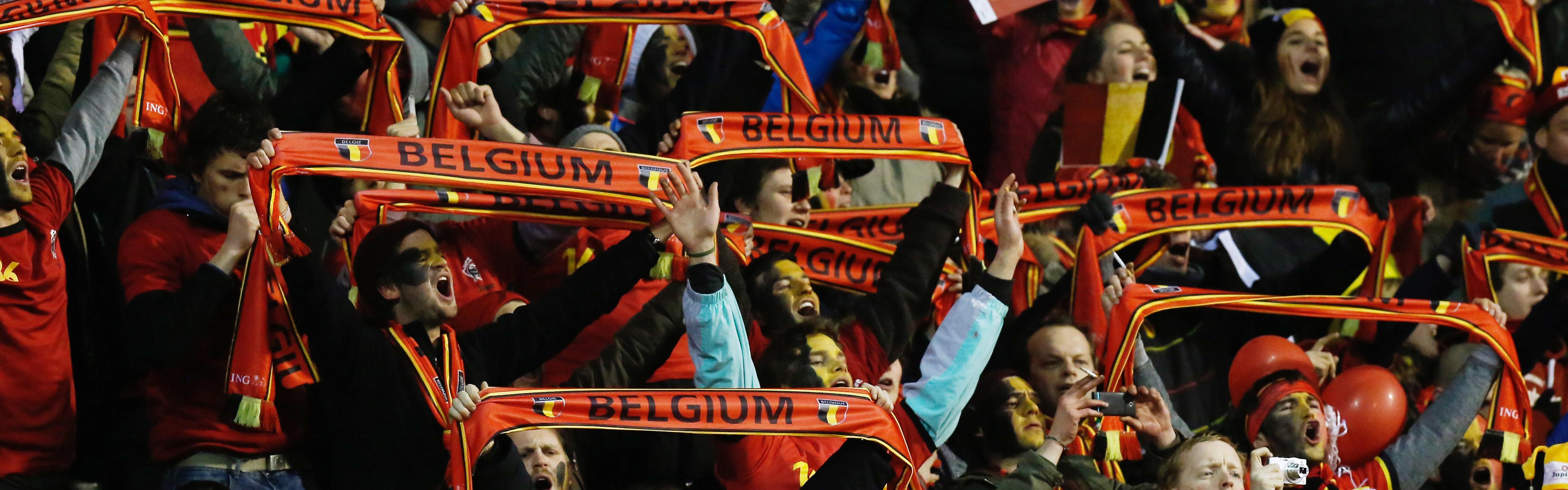 Tientallen supporters rode duivels nog steeds vast op cyprus door zandstorm