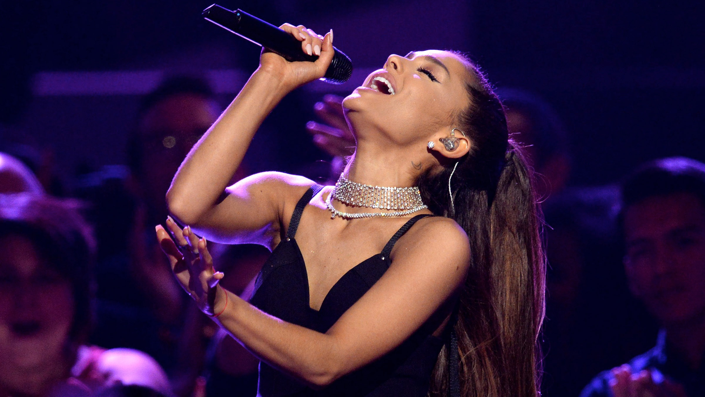 Ariana teaserafb