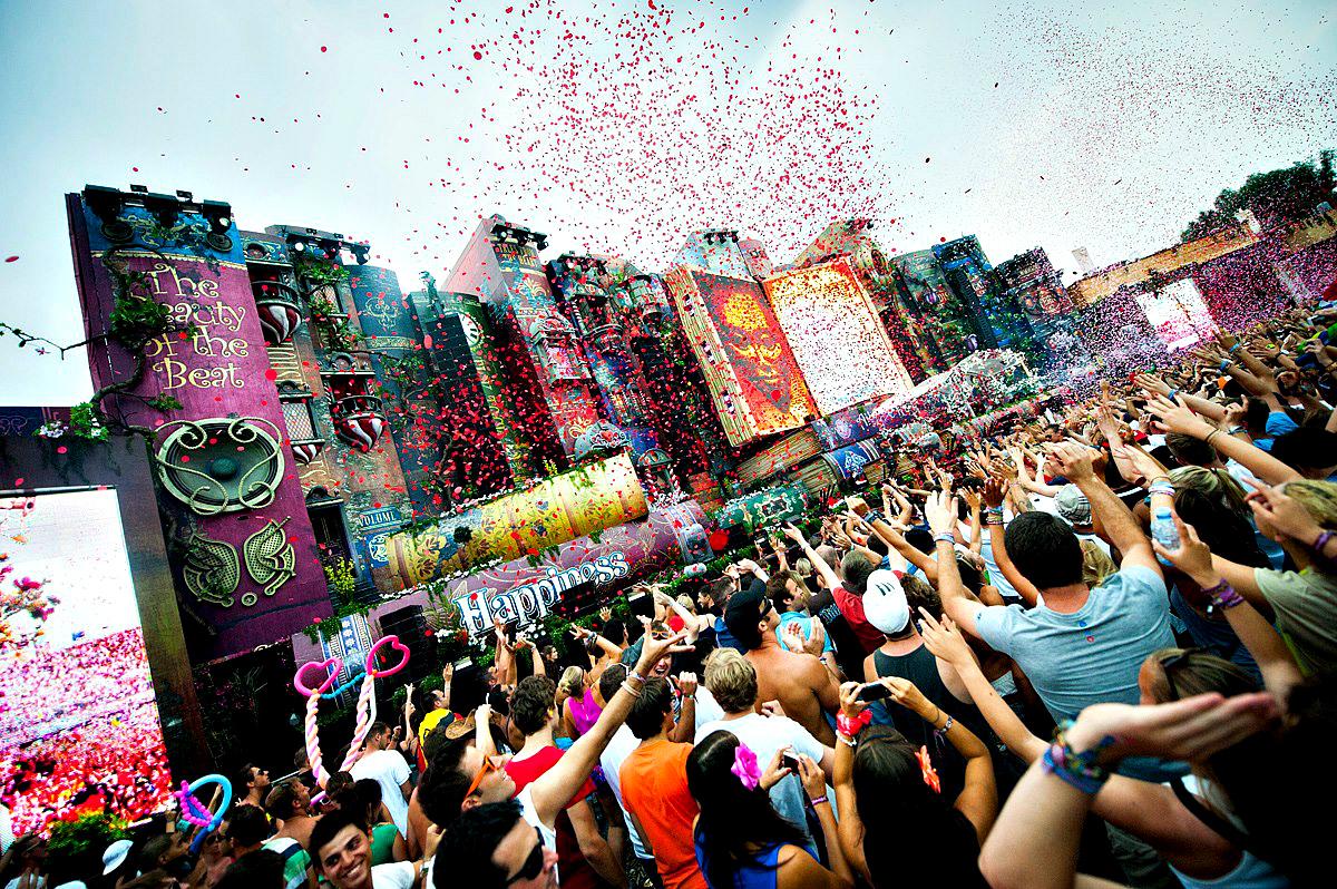 Tomorrowland ook dit jaar live te volgen op youtube