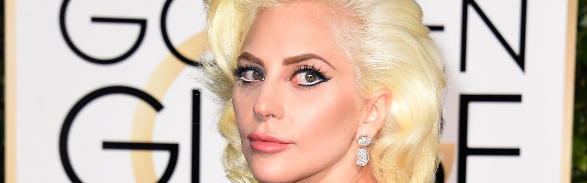 Lady gaga taylor kinney golden globes 2016 pictures