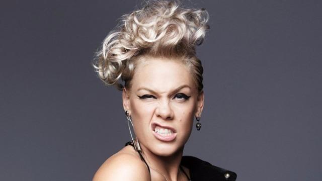P Nk Hairstyles: 'Don't F*ck With Me!' P!nk Rekent Af Met Slechte Mannen In